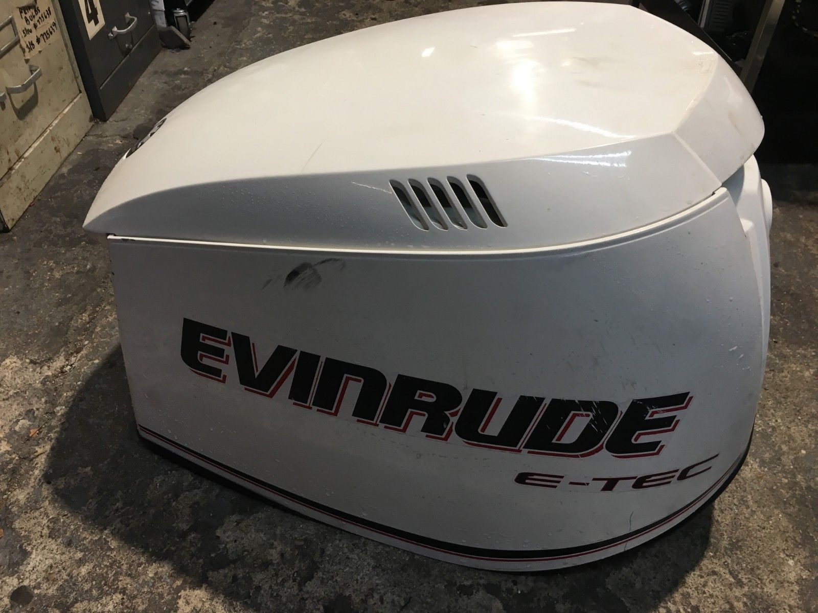 USED Evinrude Outboard ETEC Hood 200-250HP White 285653 Cover E-TEC