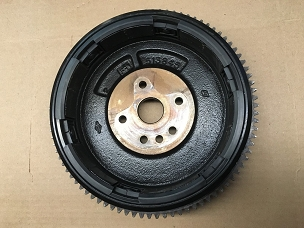 USED - FLYWHEEL 1990's EVINRUDE #0584843 90HP 115HP 10HP